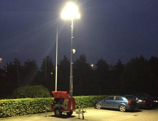 Nueva torre de iluminación LED híbrida