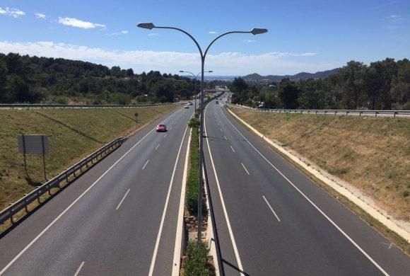 Suministro e instalación de señales de tráfico
