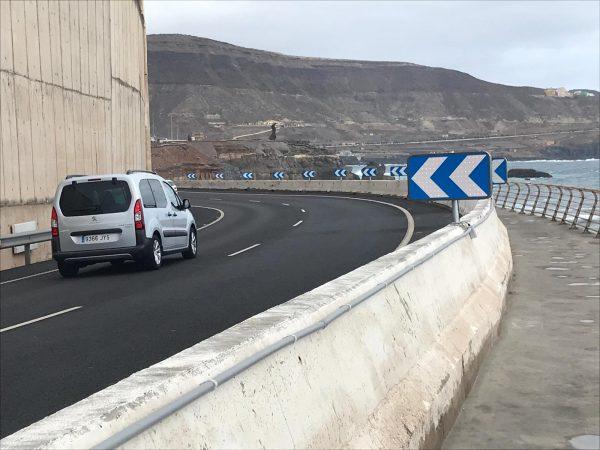 Instalación de señalizacion LED con alimentación solar en Las Palmas de G.C.