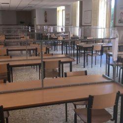 Seguridad en colegios; Mamparas de protección contra el COVID-19